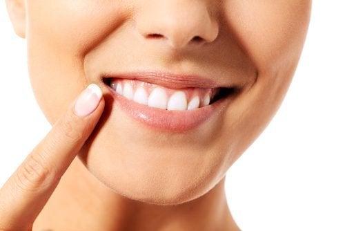 9 consigli per prendersi cura dei denti