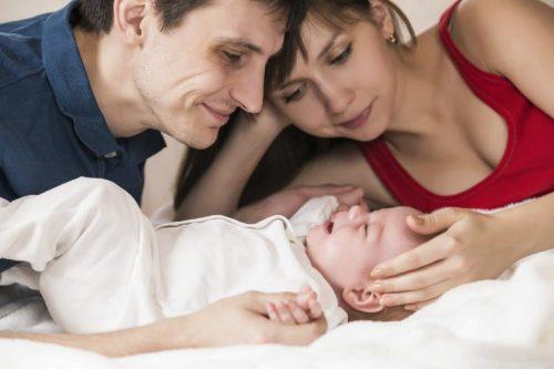 genitori e bimbo