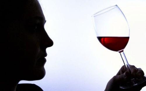 6 segnali di dipendenza dall'alcol
