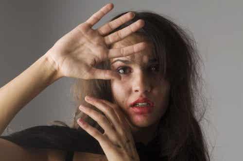 Donne maltrattate inviano 5 specifici segnali