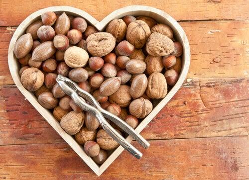 Frutta secca e salute cardiaca