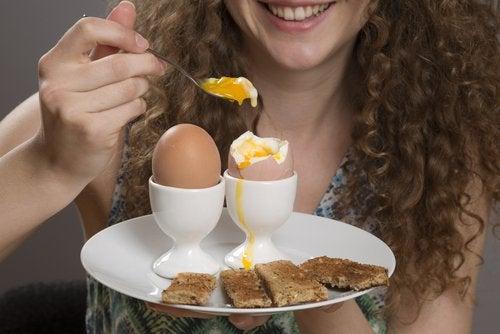 uovo contro fame ansiosa