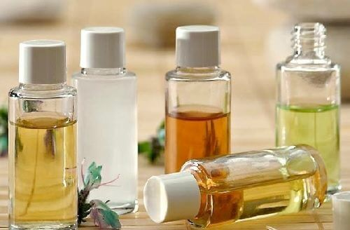 Quali sono i migliori oli per pulire il viso e come utilizzarli?