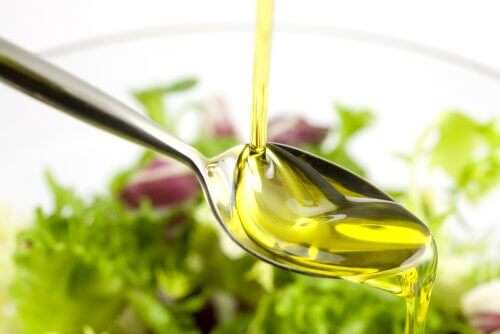 Olio d'oliva per una pelle morbida