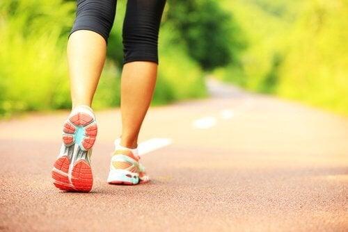 Allenare le braccia con l'esercizio fisico