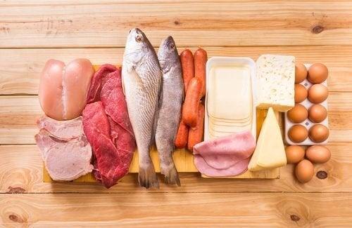 Pesce carne uova e formaggi