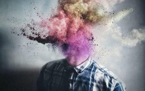 Testa con fumo colorato