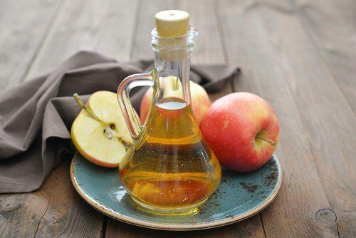 Mele e aceto di mele
