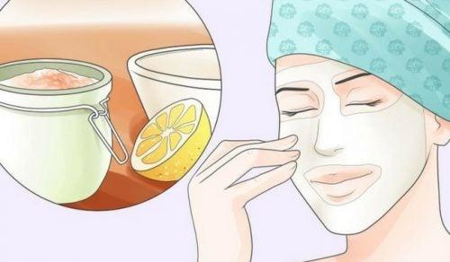 Come eliminare le macchie della pelle dovute all'età