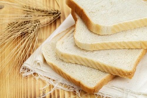 un eccessivo consumo di pane è sconsigliato per chi soffre di ipertensione