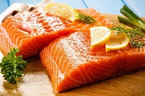 Il salmone, i suoi benefici in una gustosa ricetta