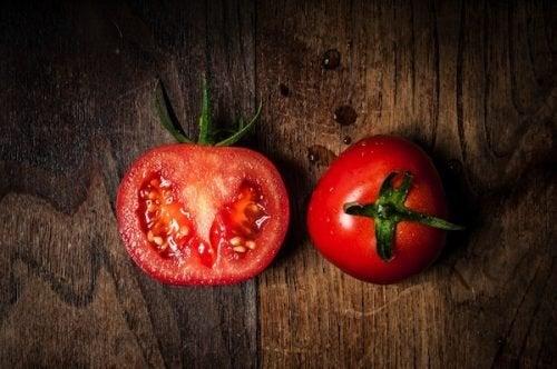 Perché vale la pena mangiare pomodori tutti i giorni?