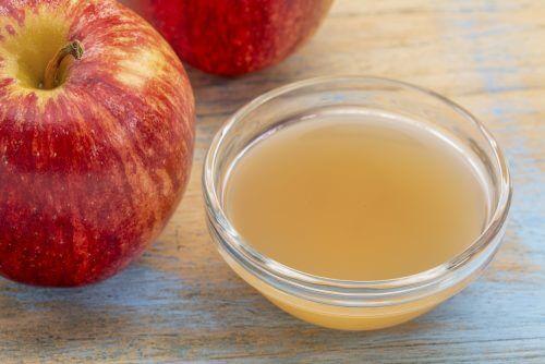 Aceto di mele per trattare la tigna