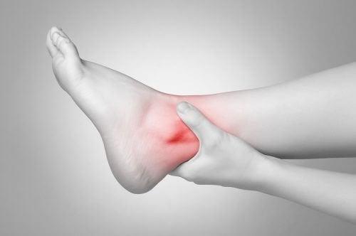 Caviglia infiammata
