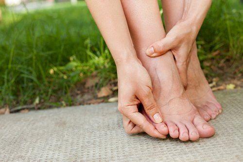 Dolore al mignolo del piede
