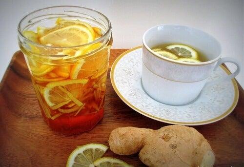 frullati da bere a digiuno mela zenzero arancia