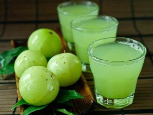Succo di uva spina indiana.