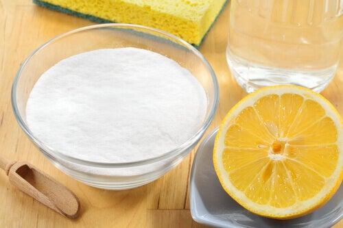 Bicarbonato e limone per combattere l'acidità
