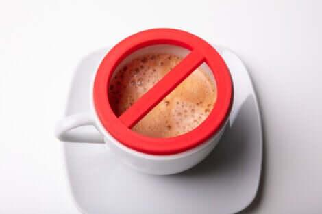 Divieto di bere caffè in caso di cortisolo alto.