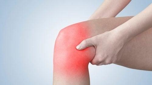 Integratori naturali per combattere i sintomi dell'artrosi