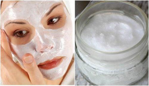 Detergente viso per eliminare le cellule morte