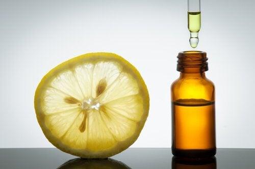 gli oli di agrumi sono ottimi per trattare la cellulite