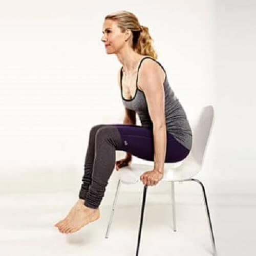 esercizi con la sedia