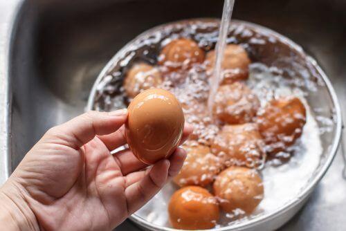 Come riconoscere le uova andate a male