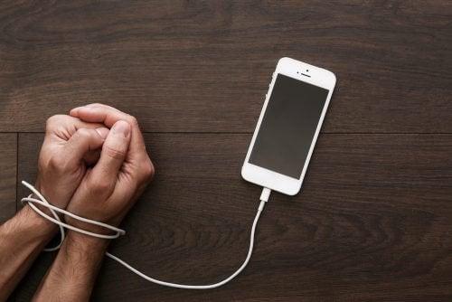 Nomofobia: la dipendenza da smartphone diventa una malattia