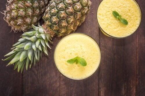 Frullato ananas e pompelmo