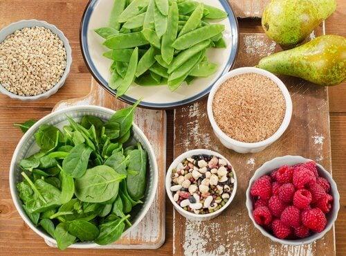 Assumere più fibre per aiutare la flora intestinale