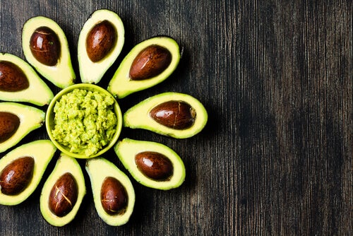 Maschera per il viso all'avocado