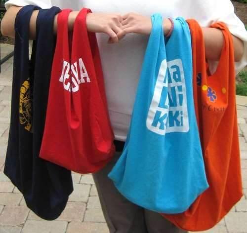 Buste della spesa ricavate da magliette di cotone