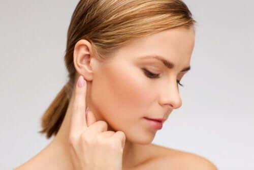 Pulire le orecchie in modo rapido e sicuro