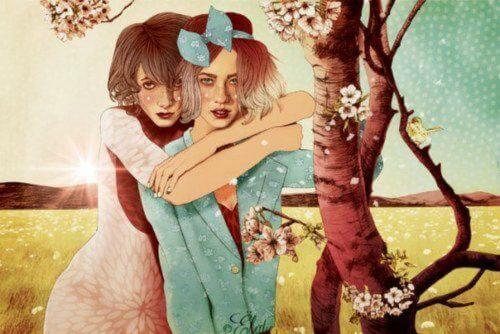 Due amiche abbracciate