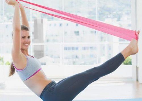 Esercizi con la banda elastica per prevenire le teleangectasie
