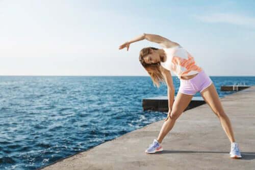 Allungare i muscoli: 6 esercizi per migliorare la flessibilità