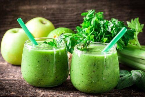 Depurarsi in un mese con limone, sedano e mela verde