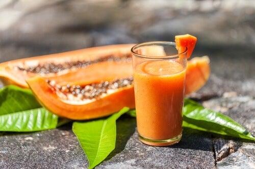 Frullato di papaya e aloe vera