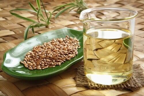 benefici del bere l'acqua di semi di lino