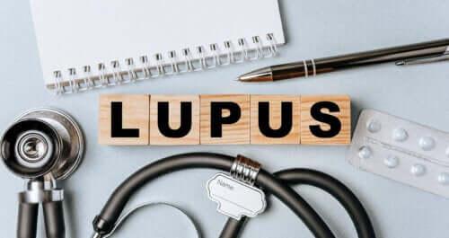 Lupus eritematoso sistemico: sintomi e fattori di rischio