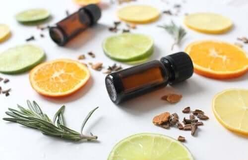 Oli essenziali naturali per trattare la cellulite