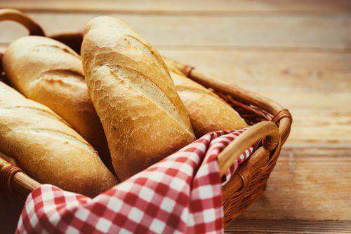 il pane bianco può acidificare troppo l'organismo