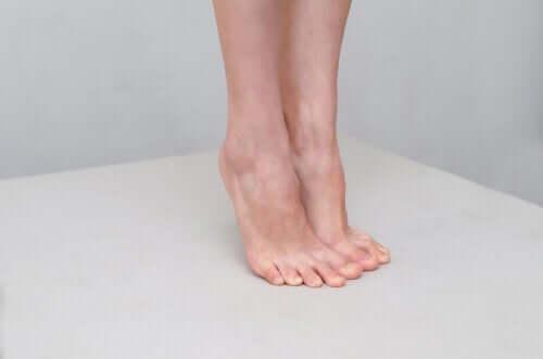 Il piede d'atleta: 7 rimedi naturali per il trattamento