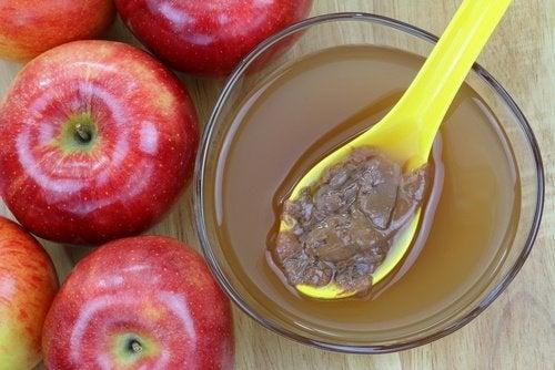 Rimedio naturale all'aceto di mele