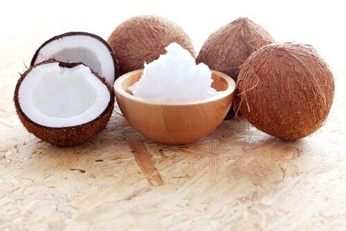 Ricci definiti:  siero di olio di cocco