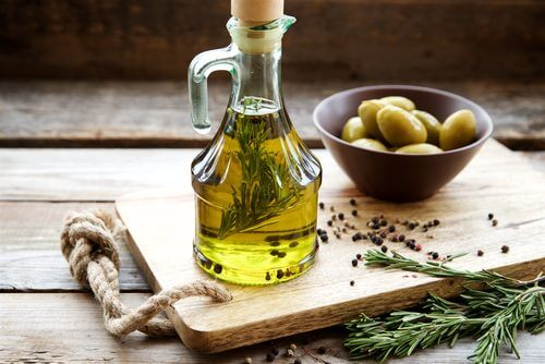 Usare olio di oliva
