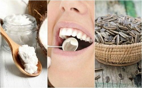Rimuovere la placca dentale con 6 metodi naturali