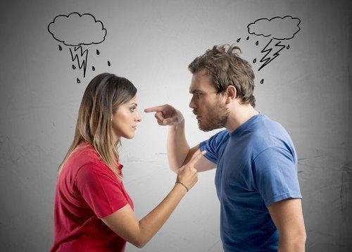 Fidanzati che litigano
