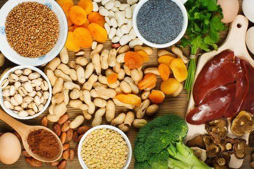 Gli alimenti che più innalzano i livelli di ferro nel sangue